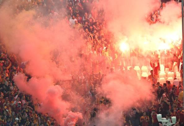 Tifoseria turca allo Juventus Stadium (getty images)