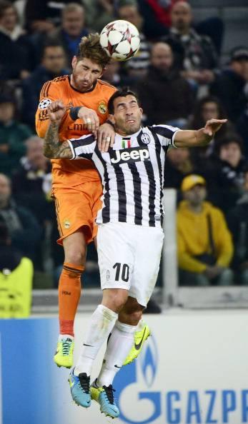 Sergio Ramos contro Tevez - Getty Images