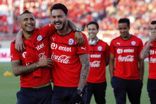 Mauricio Pinilla e l'amico Vidal (getty images)