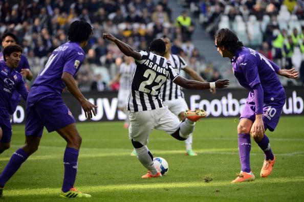 Kwadwo Asamoah scocca il tiro della vittoria contro la Fiorentina (getty images)