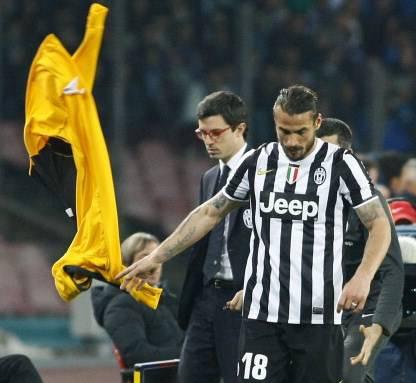 Il 'lancio della tuta' di Osvaldo (getty images)