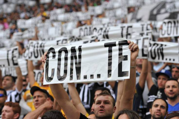 Un significativo striscione - Getty Images