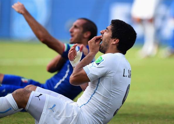 Suarez-Chiellini (getty images)