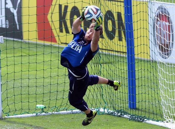 Mercato Juventus Buffon vice Szczesny Mirante Audero