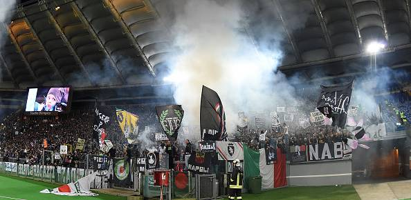 Tifosi della Juventus all'Olimpico (getty images)