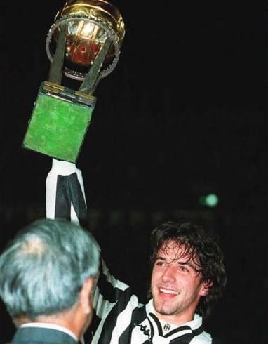 Del Piero alza l'Intercontinentale (getty images)