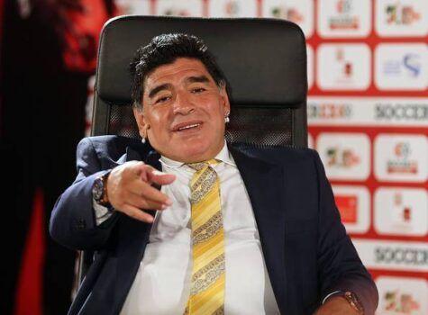 Maradona sbaglia con Higuain. Non è un traditore