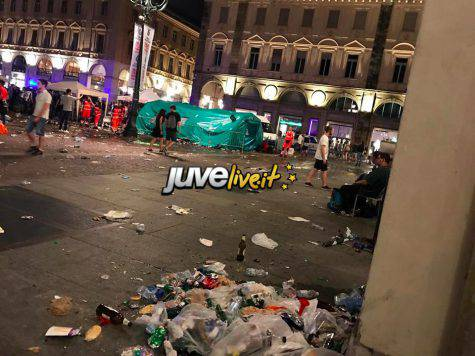 Torino: ragazza ferita in piazza San Carlo sveglia e cosciente