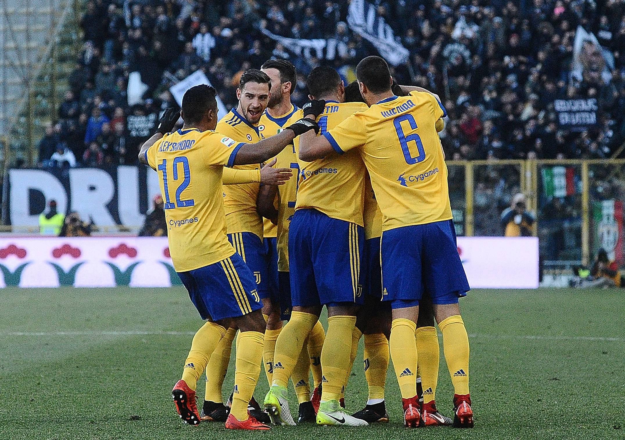 #CAGLIARIJUVE 0-1, Bernardeschi tiene i bianconeri a -1 dal Napoli
