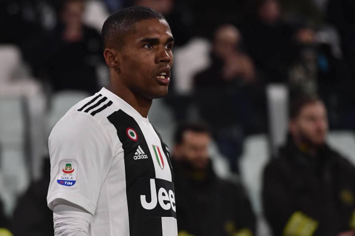 Douglas Costa lascia la Juventus?