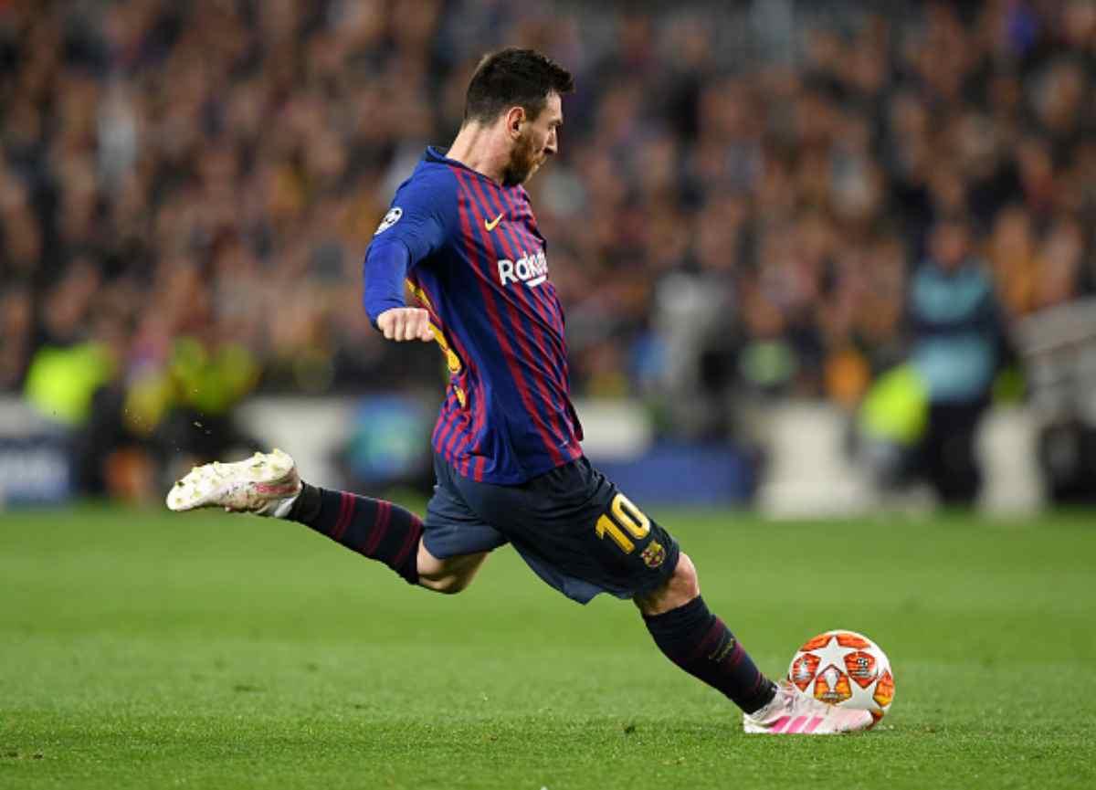 Barcellona, rientro amarissimo: Messi contestato in aeroporto, attimi di tensione