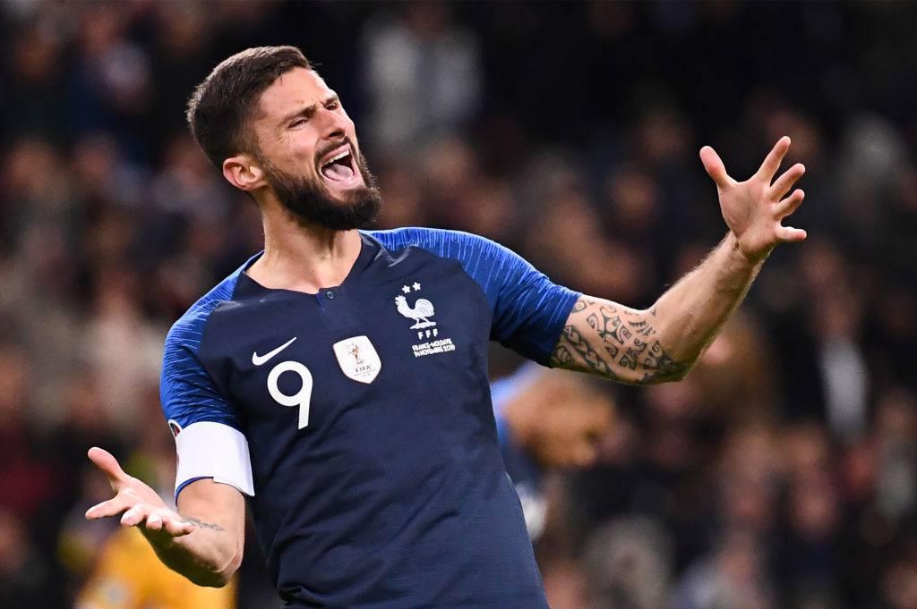 Calciomercato Juve, Giroud nome nuovo per l'attacco. Tentativo per Kean