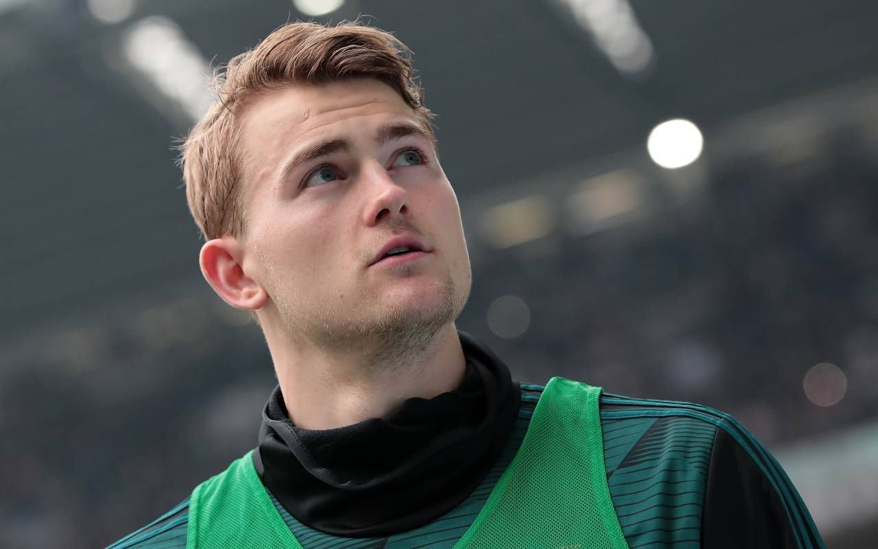 Juventus, De Ligt operato: c'è la data del rientro