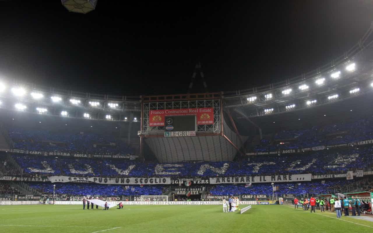 Il vecchio stadio Delle Alpi di Torino