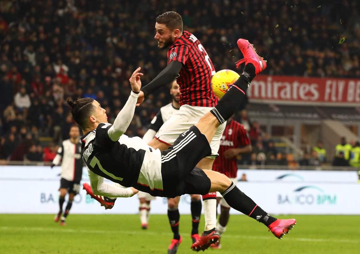 Una fase della semifinale di andata della Coppa Italia
